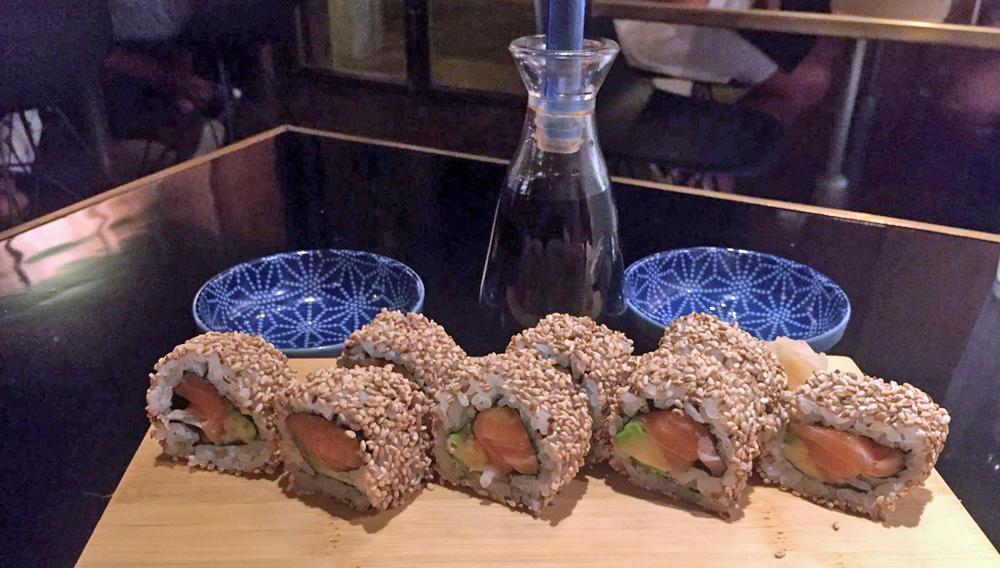 mako-restaurante-japones-barcelona-uramaki