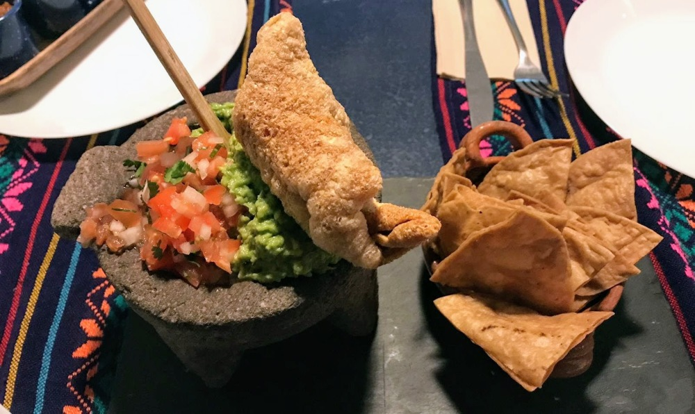 Gastrotaquería mexicana carrer Paris-guacamaole