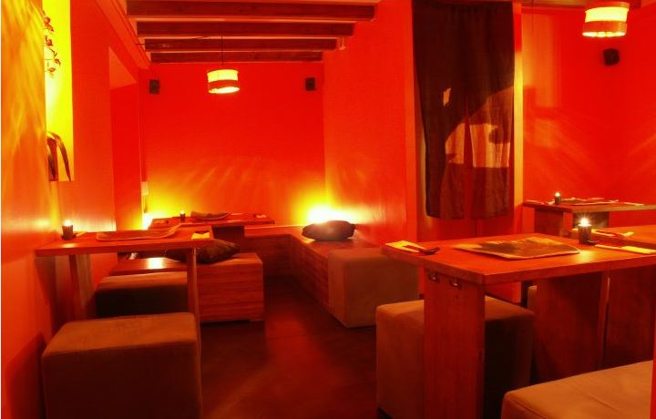 Kynoto sushi bar restaurante japonés Gotic romántico